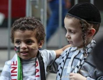 En Twitter, judíos y árabes rechazan ser enemigos.