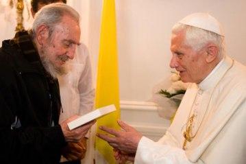 Papa Benedicto XVI y Fidel en Cuba
